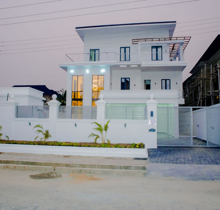 beautiful duplexes in lekki lagos. completed project by carrillion